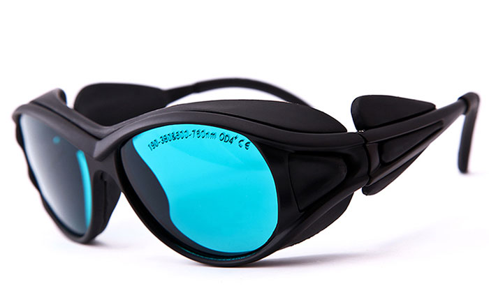 Laser goggles for 190nm-380nm and 600nm-760nm laser beam